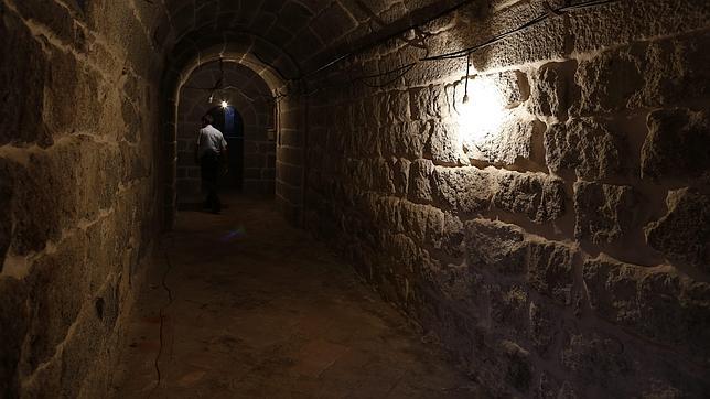Uno de los pasos subterráneos del monasterio