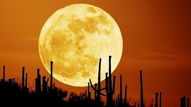 La Luna de la Cosecha aparece en el cielo