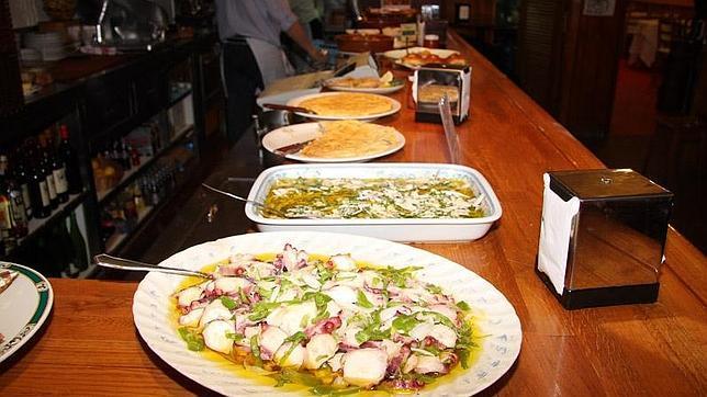 Barra del restaurante La Viña