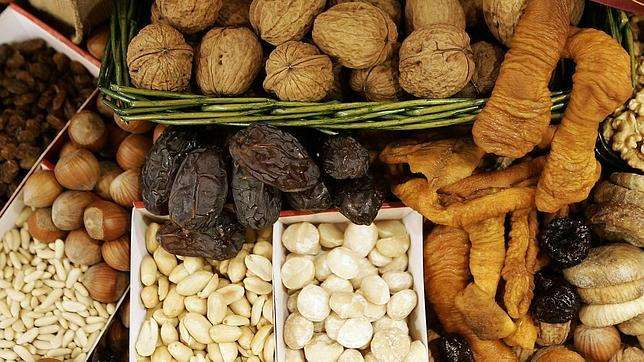 El consumo diario de frutos secos disminuye el riesgo de enfermedades cardiovasculares