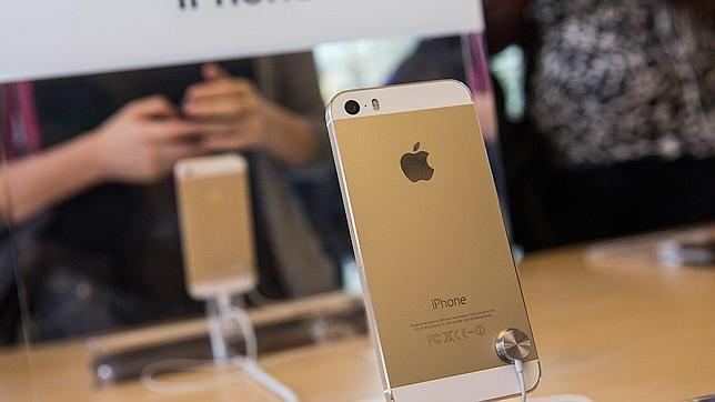 10.100 dólares por un iPhone 5S dorado