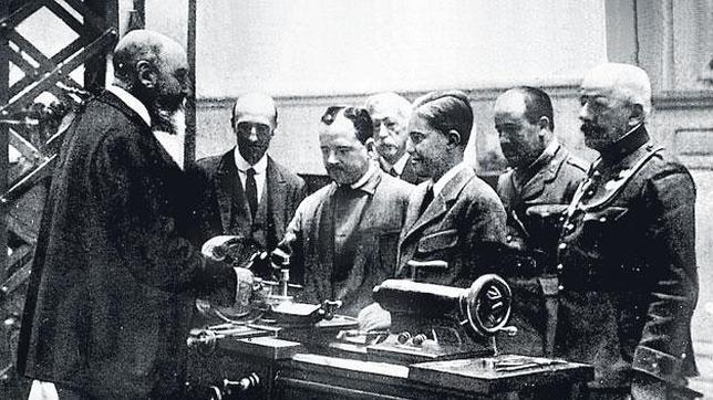 Leonardo Torres Quevedo (izquierda).