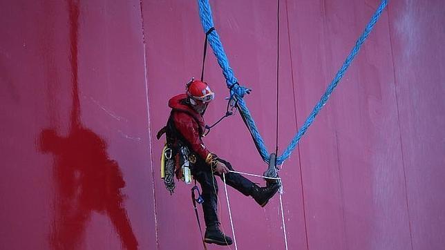 Los 27 activistas de Greenpeace detenidos en el Ártico ruso podrían enfrentarse a cargos de piratería