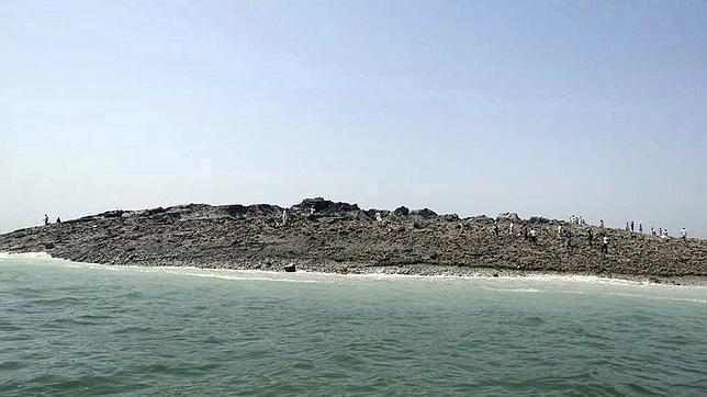 Una nueva isla emerge tras el terremoto de Pakistán