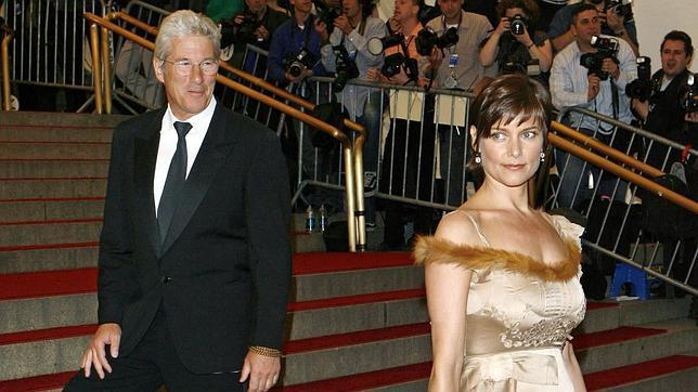 Richard Gere y su todavía esposa Carey Lowell