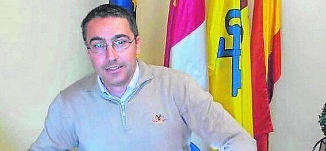 «No hago nada excepcional, solo el PSOE ve raro que renuncie a mi sueldo porque siempre cobraron»