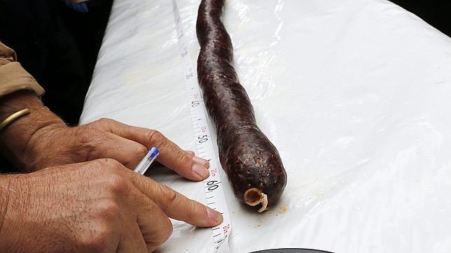 Burgos bate un doble récord Guiness con la morcilla más larga del mundo