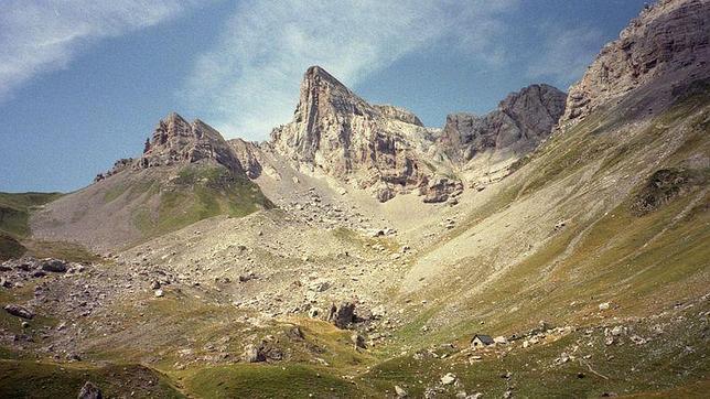 Localizados ilesos los tres montañeros a los que se buscaba en los Pirineos