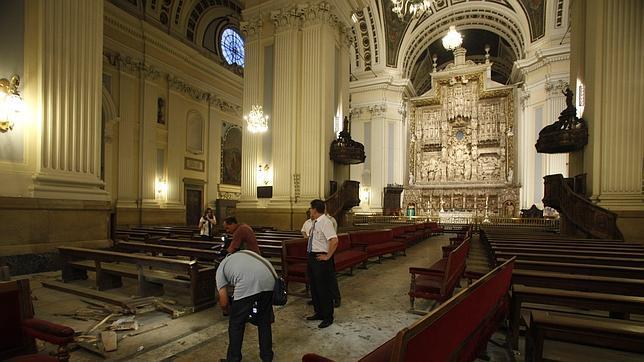 El altar mayor de la Basílica del Pilar se cerró casualmente minutos antes de la explosión
