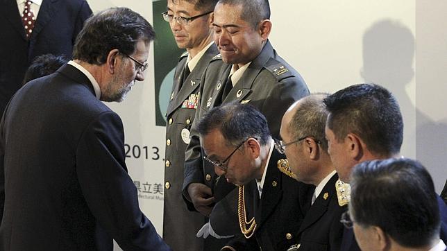 Rajoy visita Fukushima para apoyar la zona del desastre