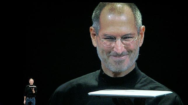 Steve Jobs presenta el MacBook Air, en 2008