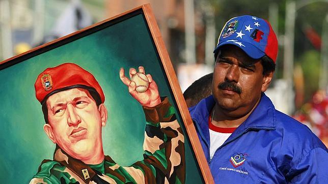 La voz de Chávez «desde la tumba» enfurece a Maduro