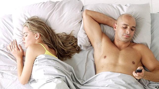 ¿Cómo evitar que tu pareja se rompa por culpa de WhatsApp?