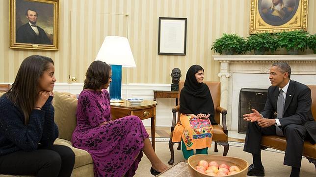 Malala se reúne con Barack Obama y critica los ataques con «drones» en Pakistán