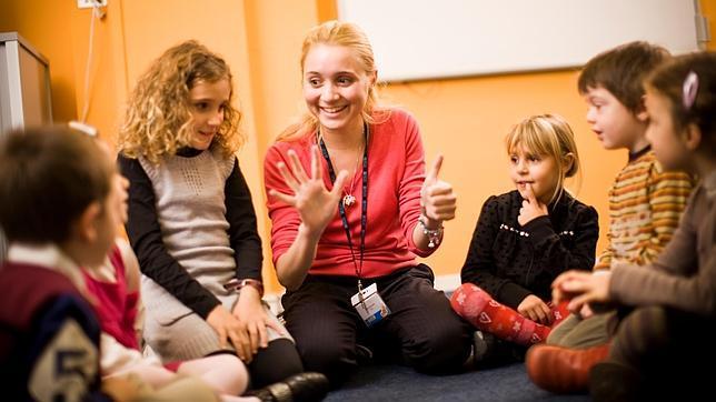¿Por qué los colegios ingleses enseñan oratoria y los españoles no?