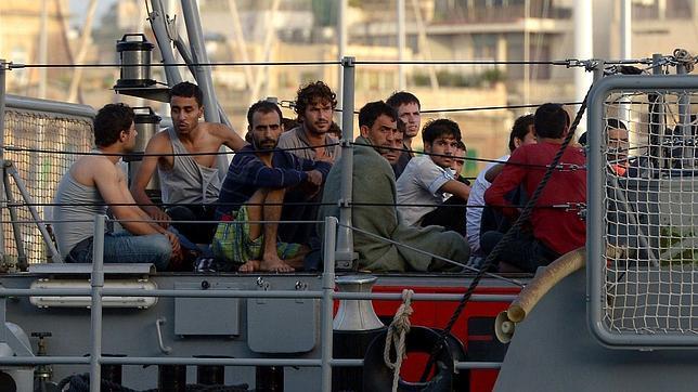 ¿De qué infiernos huyen los inmigrantes que naufragan frente a las costas de Italia?