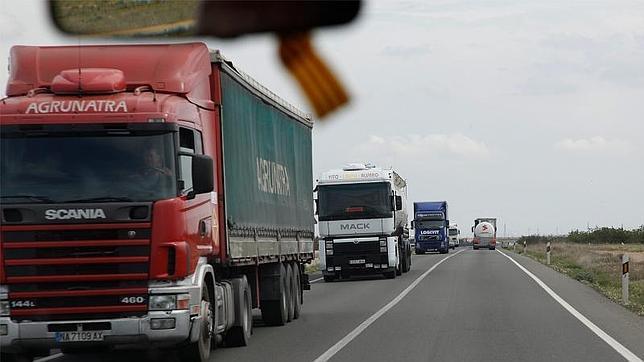 En nuestro país, el 95% del transporte de mercancías por tierra se hace en camiones