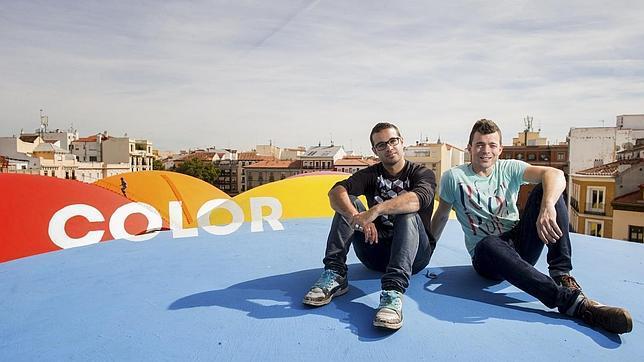 El colectivo Boamistura empapa de pintura el mercado de la Cebada de Madrid