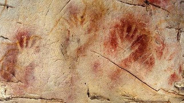 La Cueva del Castillo, una de las que más impresiones de manos registra en el norte de España