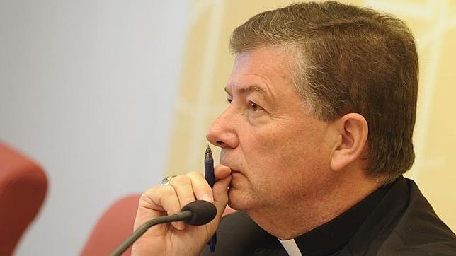 Martínez Camino dice que la asignatura de religión «está mejor en la ley vigente» que en la de Wert