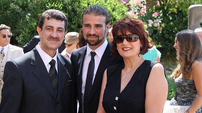Los padres de Mario sostienen que su hijo fue asesinado y no creen en el suicidio