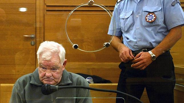 Muere Emile Louis, uno de los mayores asesinos en serie de Francia