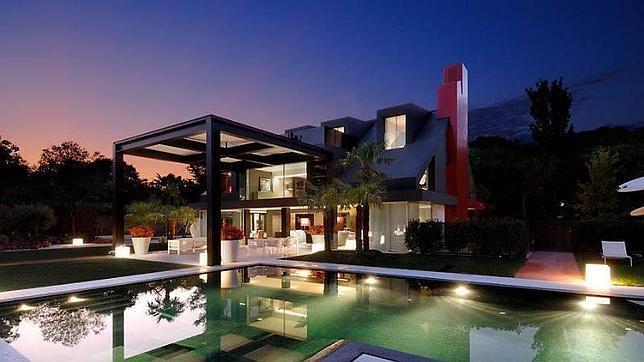 Siete viviendas de lujo en madrid para alucinar for Casas de lujo en madrid