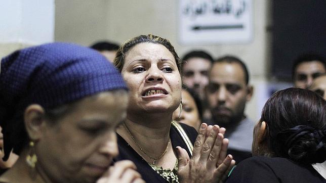Tres coptos, entre ellos un niño de 8 años, ametrallados al salir de una boda en El Cairo