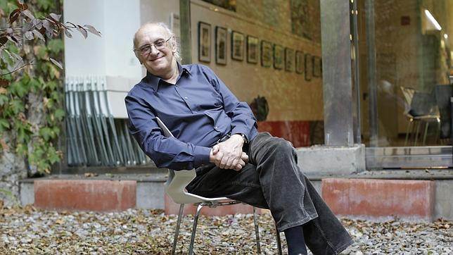 Petros Márkaris: «Estoy harto de escribir sobre la crisis»