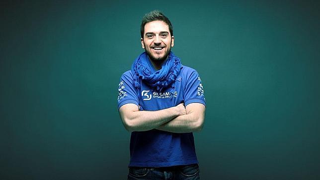 «Gano más de 600.000 euros al año jugando a los videojuegos»