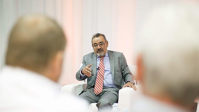 Un vicepresidente de la CEOE insta a la Administración a que no sea «una oficina de recolocación de afiliados»