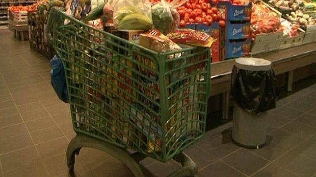 Es importante fijarse en las etiquetas antes de llenar en carrito de la compra