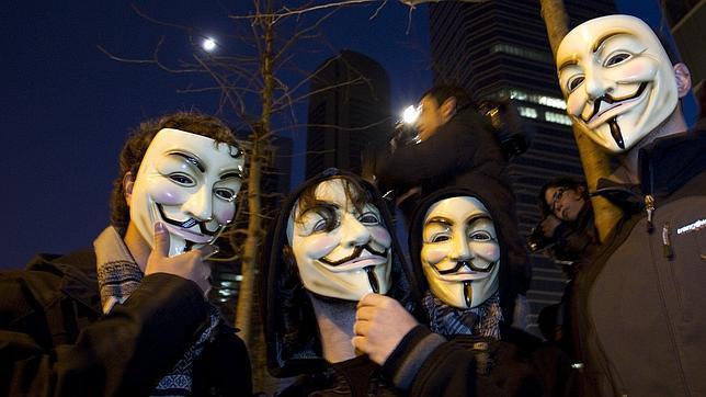 Un «hacker» de 12 años provocaba el caos a cambio de videojuegos que le daba Anonymous