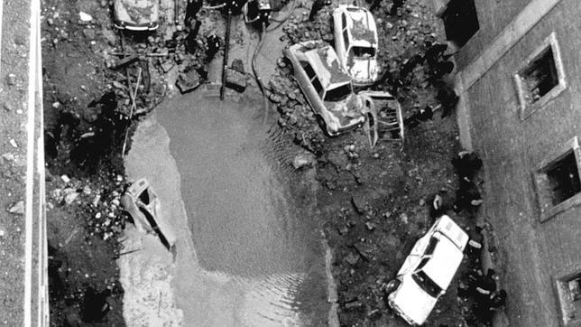 En el 104 de la calle Claudio Coello los terroristas habían excavado un semisótano. En la imagen, el lugar del atentado