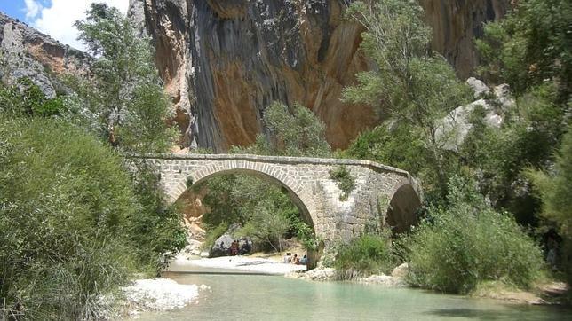 Cataluña se apropia 16 puentes de piedra de la provincia de Huesca