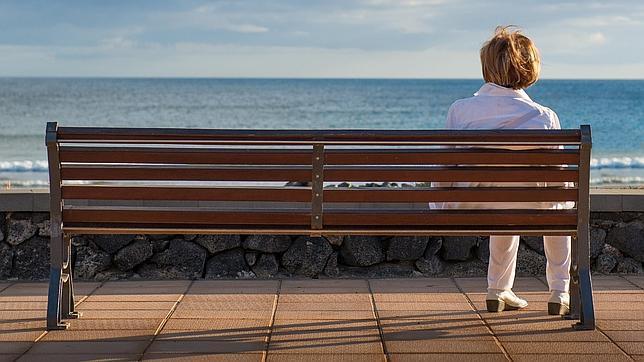 Cada año hay más divorciados y solteros en España