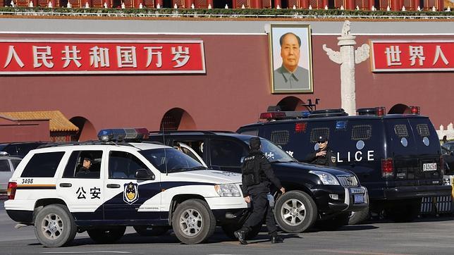 La Policía china detiene a cinco sospechosos por el atentado suicida de Tiananmen