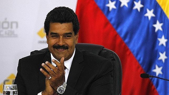 Maduro inaugura Navidad «temprana» en Venezuela para dar «suprema felicidad»