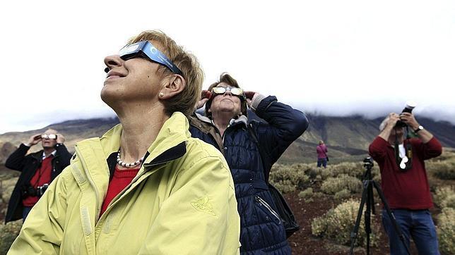 Un raro eclipse híbrido ocultará hoy el Sol