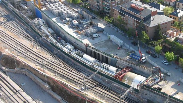Frenazo al túnel del AVE entre Atocha y Chamartín
