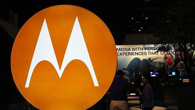 Motorola quiere injertar un micrófono en el cuello de sus usuarios