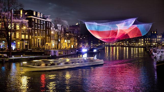 Doce maneras de disfrutar a tope de los canales de Ámsterdam