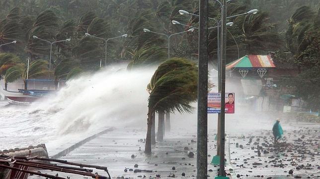 Haiyan, el tifón más violento del año, azota Filipinas