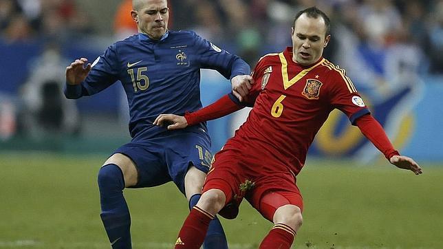 ¿Vestirá España completamente de rojo en el Mundial de Brasil?