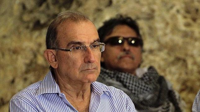 Peligra el diálogo con las FARC si se confirma el plan de atentar contra Uribe