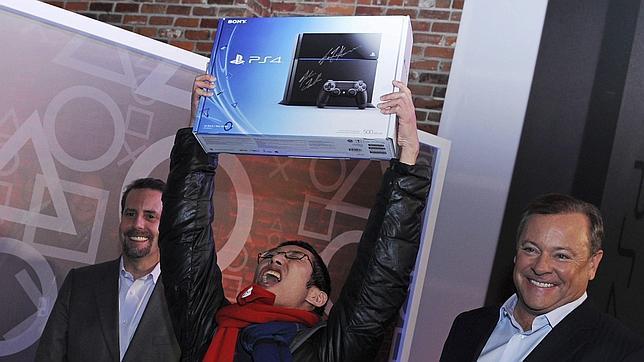 PlayStation 4 llega a EE.UU e inicia una nueva generación de juego