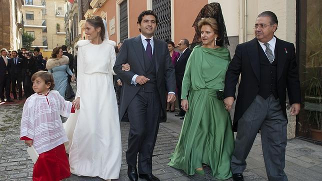 Sevilla re ne a la c pula del pp en la boda del hijo de - Hierros san cayetano ...