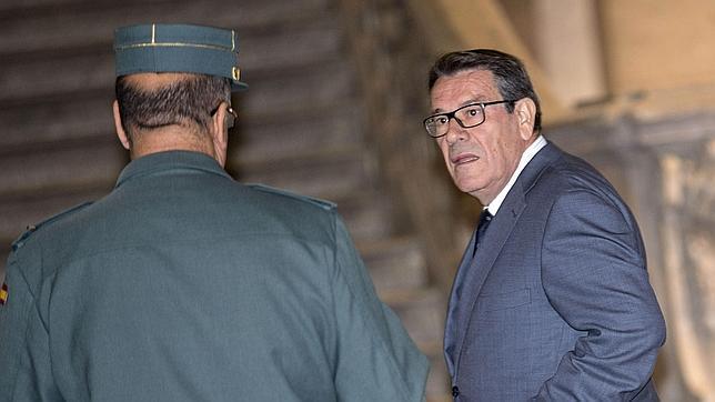 El diputado que pidió firmas para el indulto de Hernández Mateo lo hizo «a título personal»