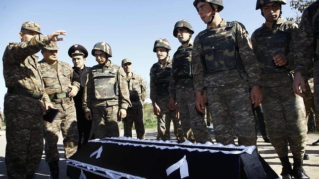 Armenia y Azerbaiyán tratan de acercar posturas sobre Nagorno-Karabaj