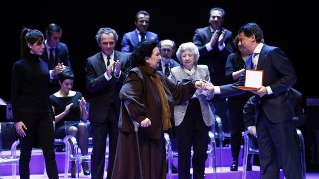 Montserrat Caballé, Medalla Internacional de las Artes de Madrid